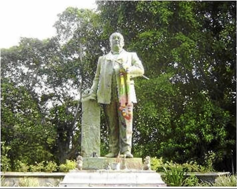 Statue of Khaw Sim Bee in Phuket